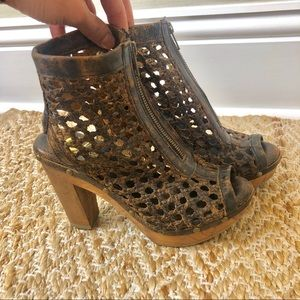 Sbicca Vintage Collection Brown Leather Heels